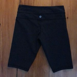 Lululemon Black biker shorts Sz 4 Tall NWOT
